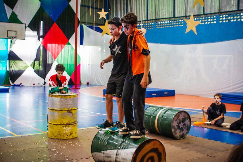 apresentação do circo do 6º ano 2 - Colégio Micael Ensino Fundamental