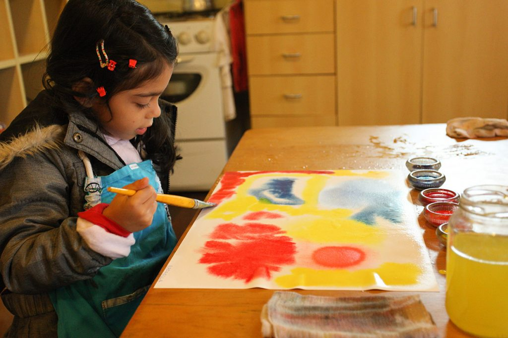 vivência de aquarela - Colégio Micael Educação Infantil